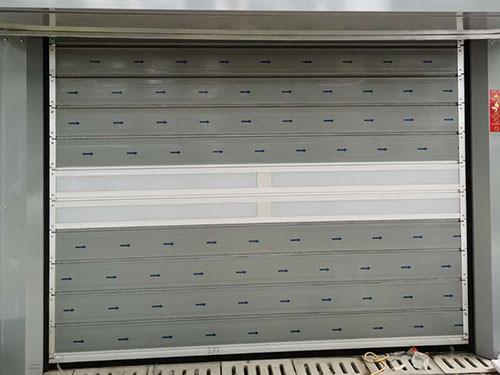 简述冷库保温快速卷帘门的优点