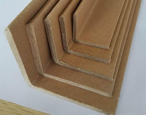 蜂窝纸箱拼接夹持利用纸护角的因素