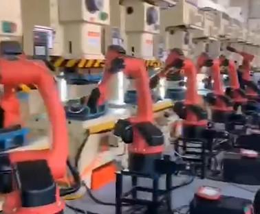 冲压机器人