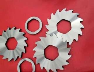 双轴撕碎机刀片在工业生产中的重要性
