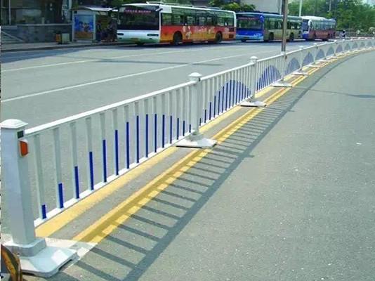 市政隔离护栏的功能