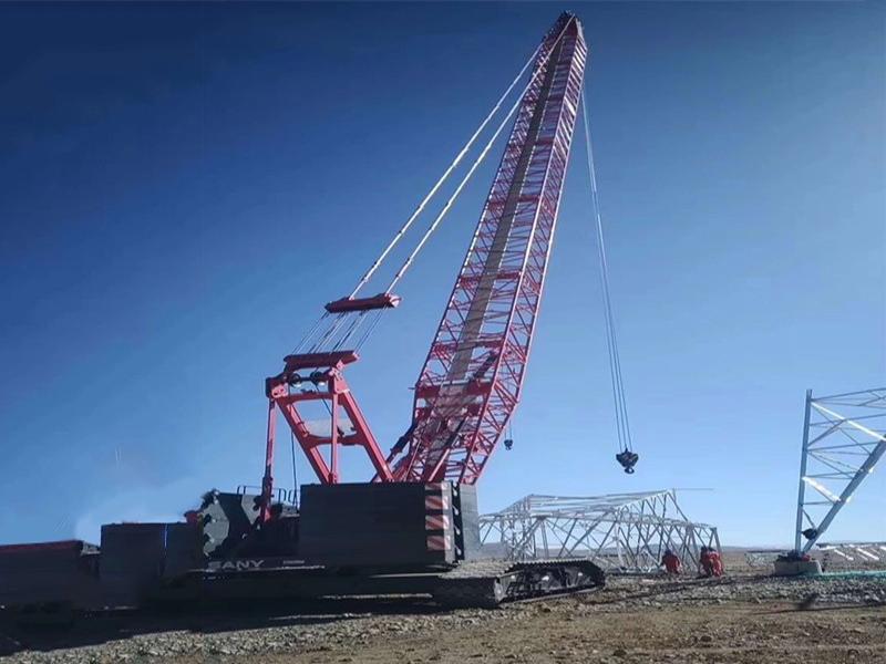 SCC1500A履带吊-西藏日客则电力设施施工现场