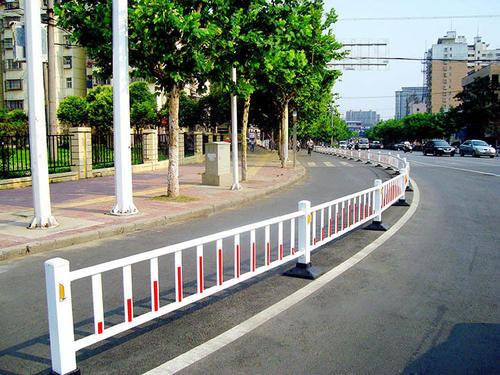 市政道路护栏如何维护?
