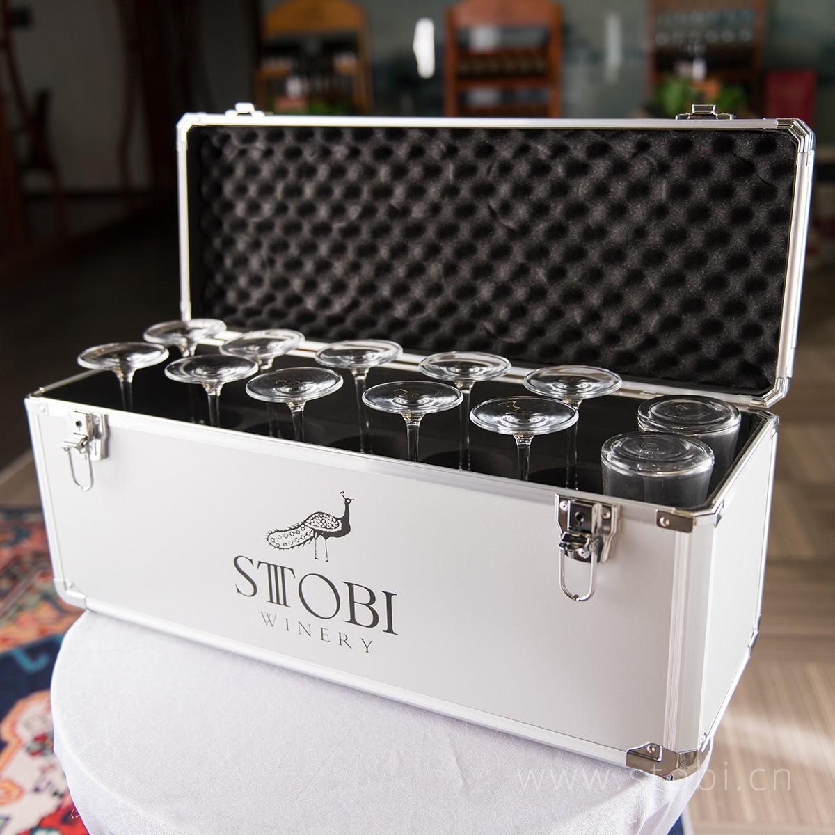 黑色收纳箱+10个水晶杯+2个醒酒器