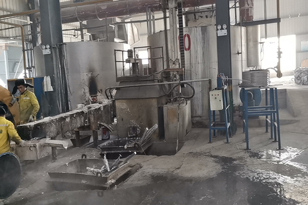 On - line degassing wire feeder