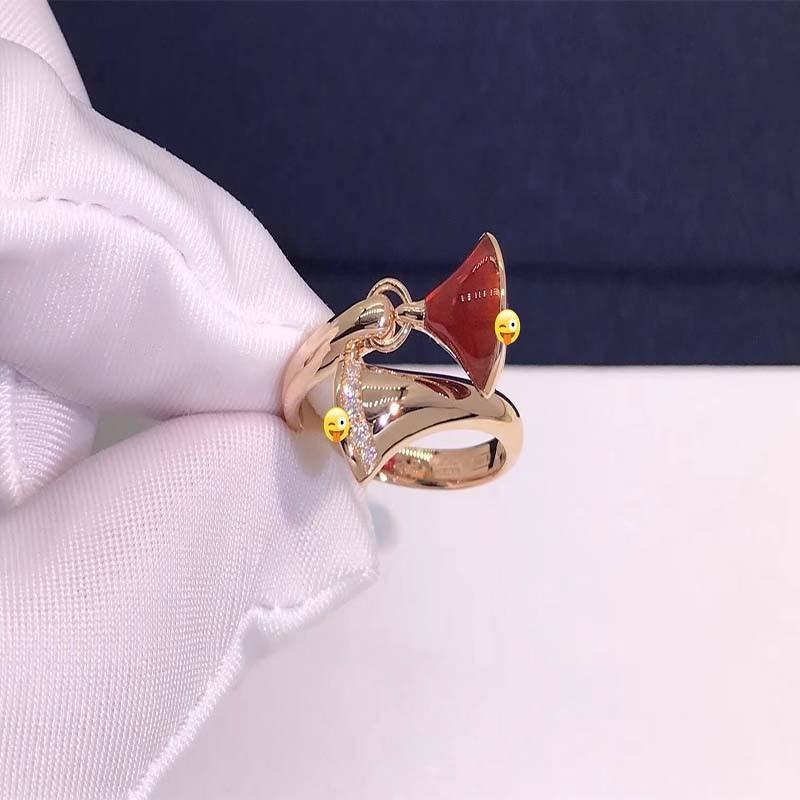 女士珠宝戒指