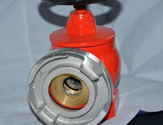 室内外消防栓怎样使用