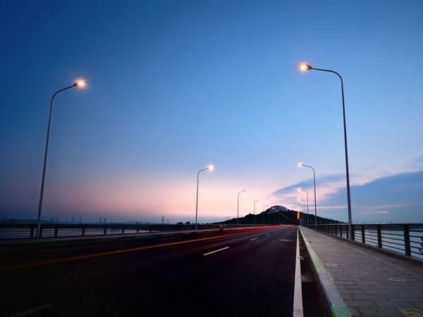 太阳能发电路灯关键部件的功能及其工作方式