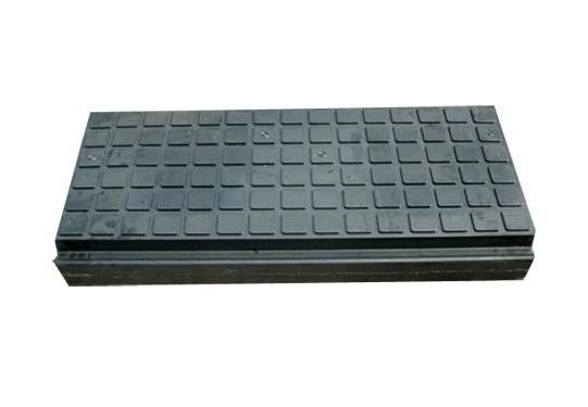 新型铁路橡胶道口板