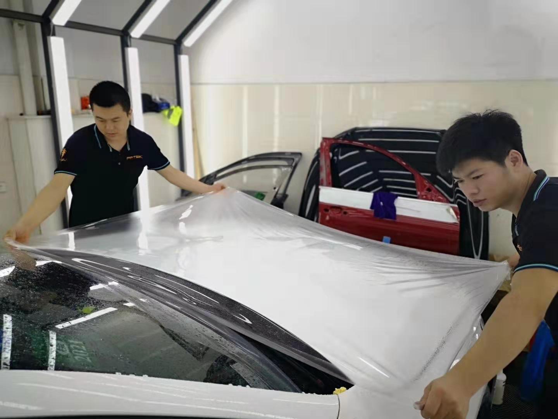 轿车纸贴规定不可以超出30%,贴画和顶棚改色膜在这里一经营规模吗?