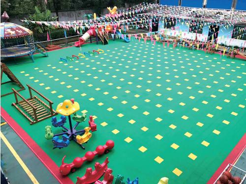 幼儿园地板中的悬浮拼装地板有哪些优势?