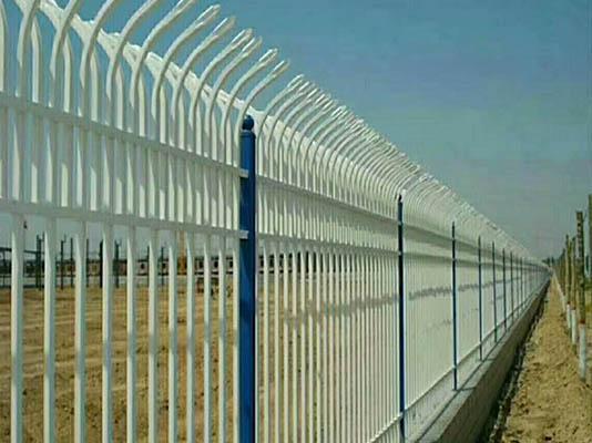 护栏网使用了一段时间之后该怎么维护