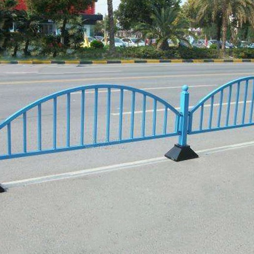 简易道路中央护栏