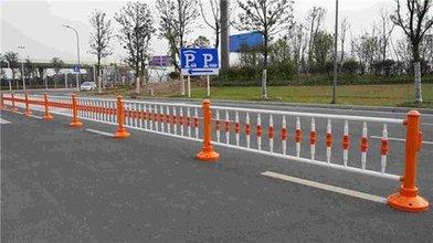 城市交通护栏的交通平安卫士