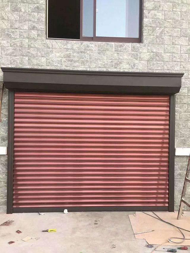 硬质卷帘门