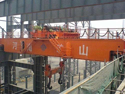 Casting bridge crane