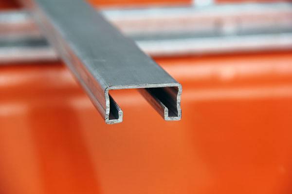 哪里有专业生产纵向抗震支架厂家?