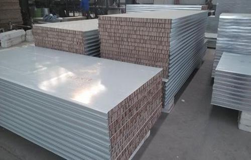 岩棉复合板与玻璃棉板之间有什么区别?