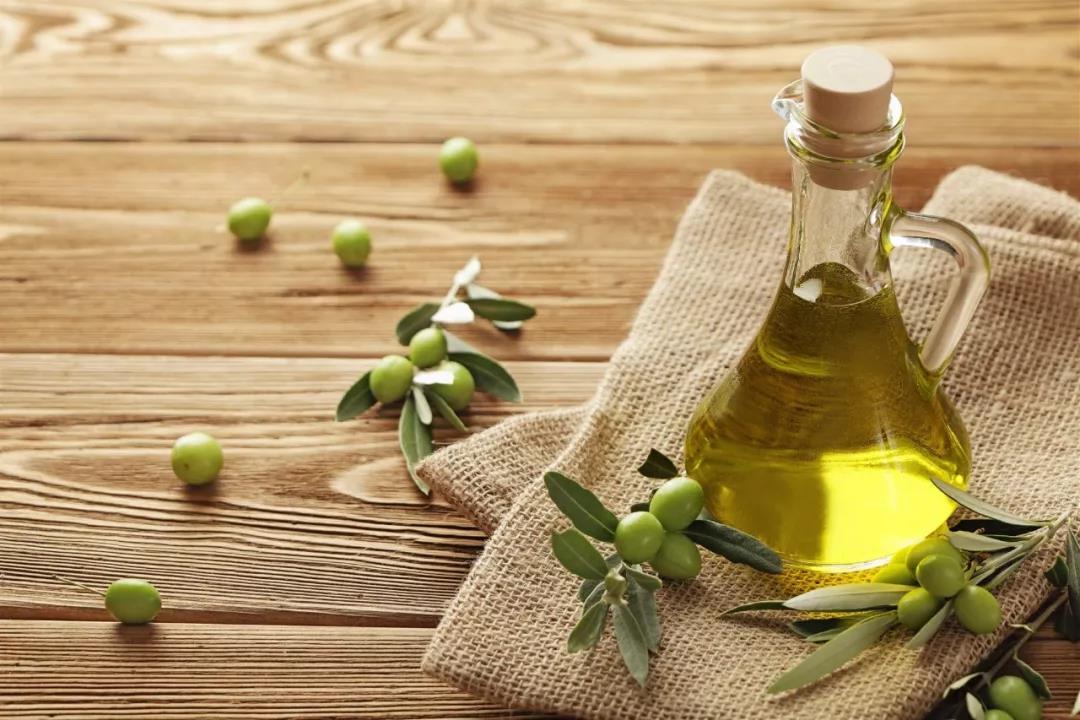 家里的食用油怎么选:哪些油要少吃?哪些油不能买?
