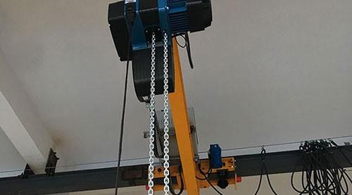 小型工厂电动葫芦安装