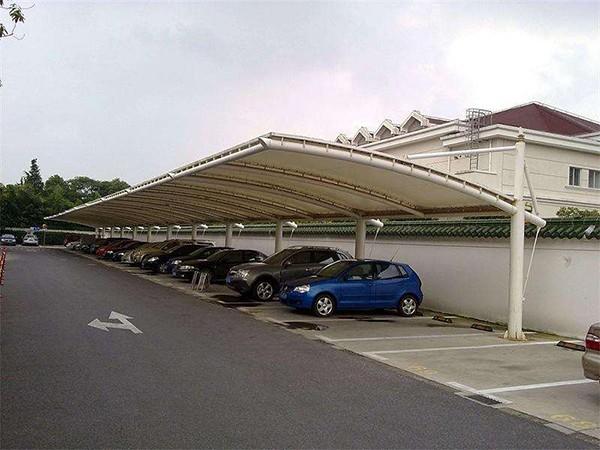 膜结构停车棚该如何清洗?