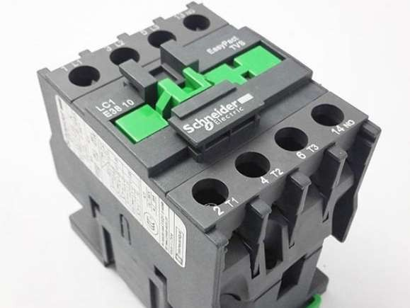 施耐德交流接触器电机可逆运行控制电路的调试