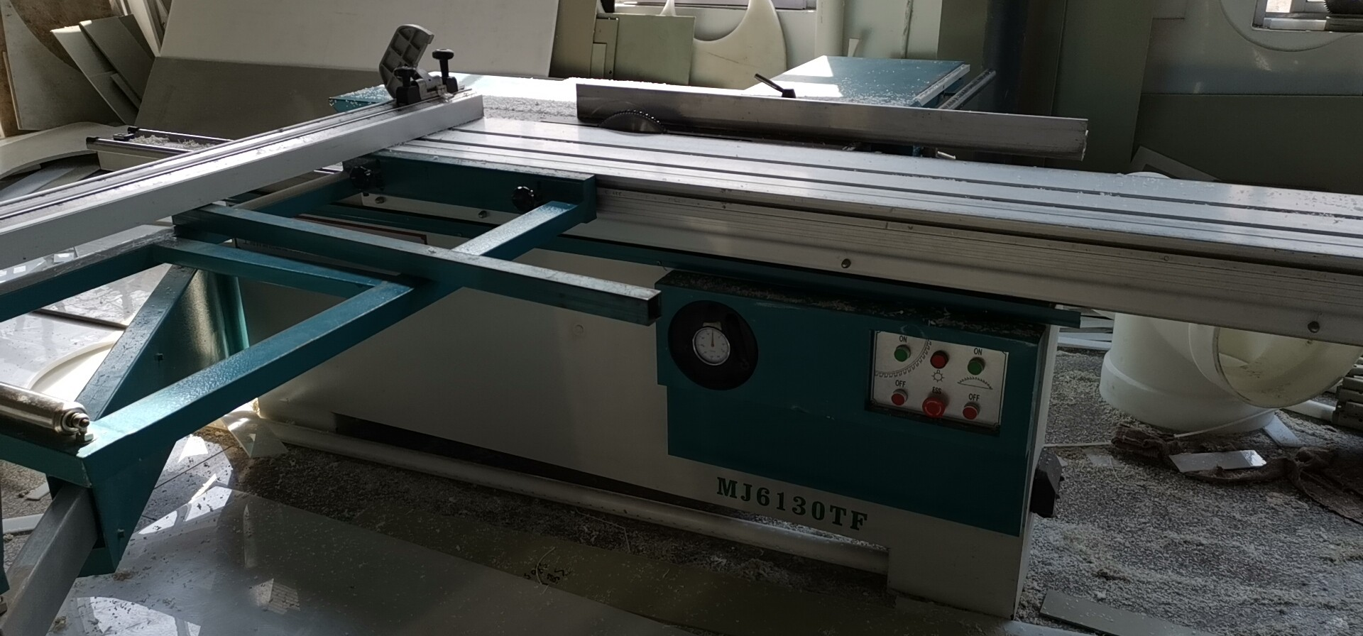 板材切割机