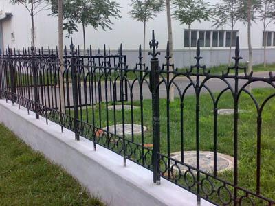 铁艺护栏配件的重要性