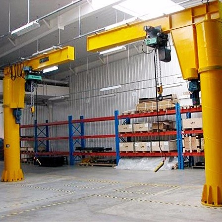 定柱式旋臂吊起重機