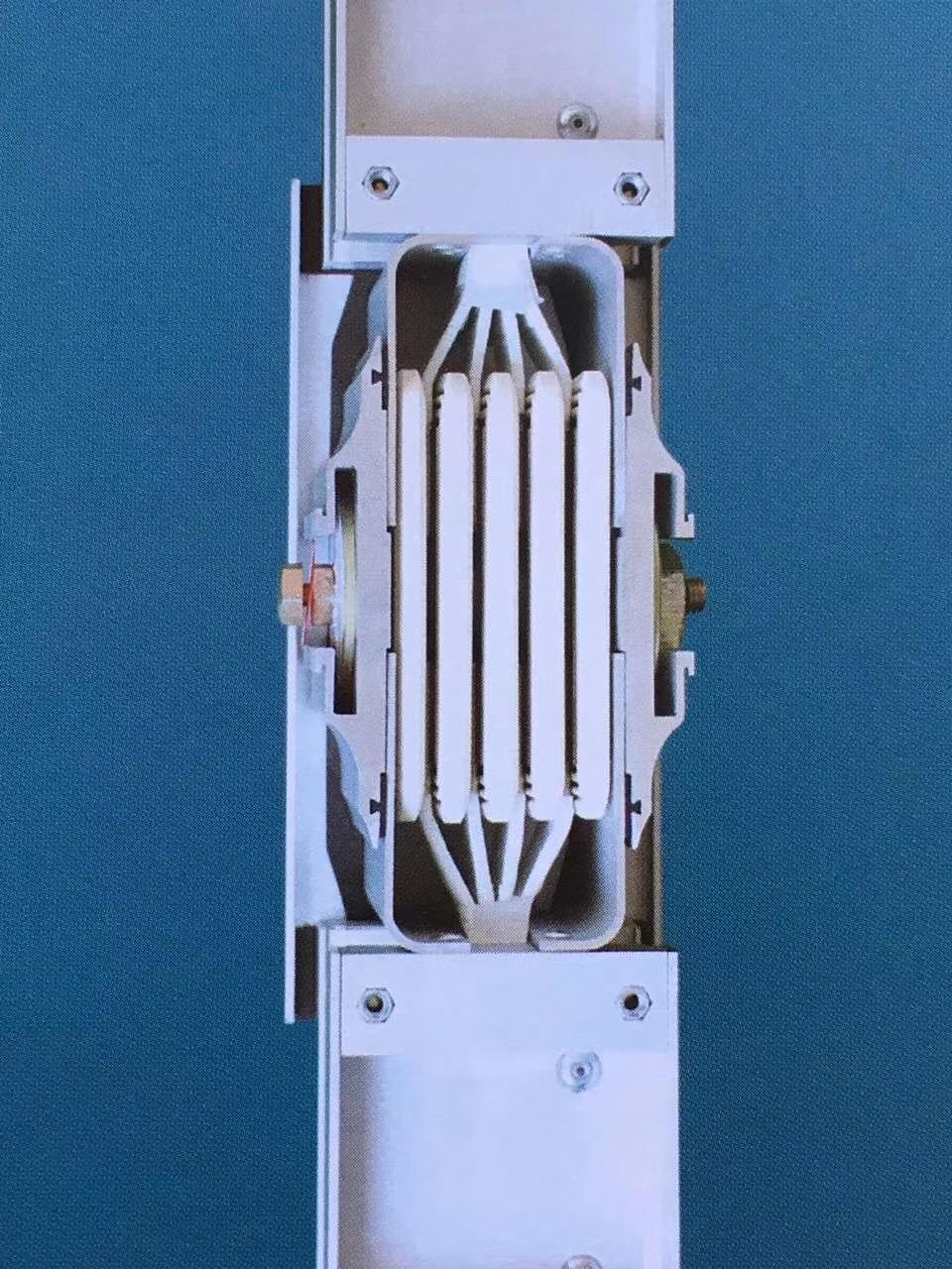 母线槽连接器