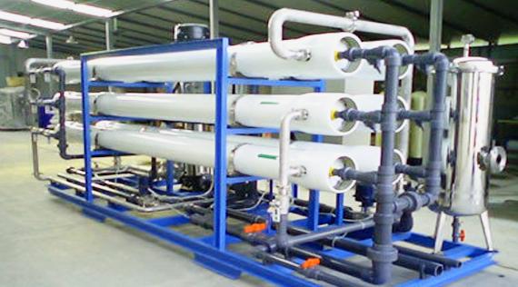 选用冷凝水回收体系能有效地节约动力、保护环境。