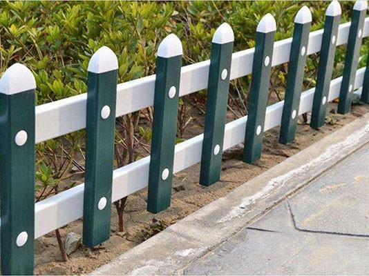 锌钢草坪护栏网