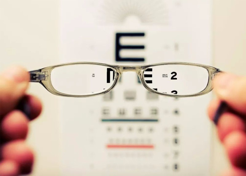 为什么很多青少年视力矫正效果都差强人意