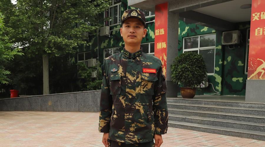 军刃基地训练部长-刘豪