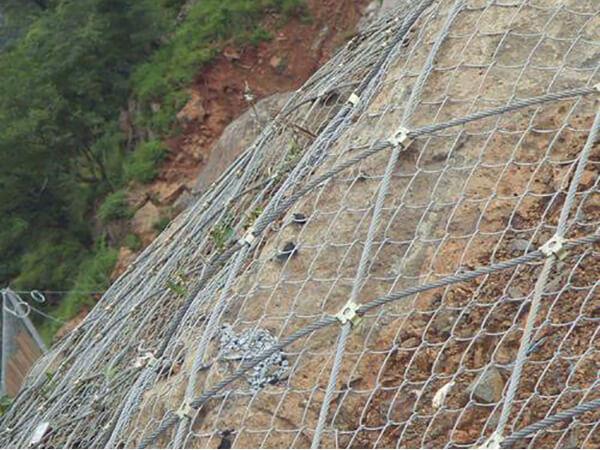 边坡防护网的安全施工方法有哪些呢?