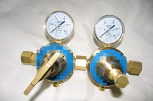 氧气单、双节级减压器