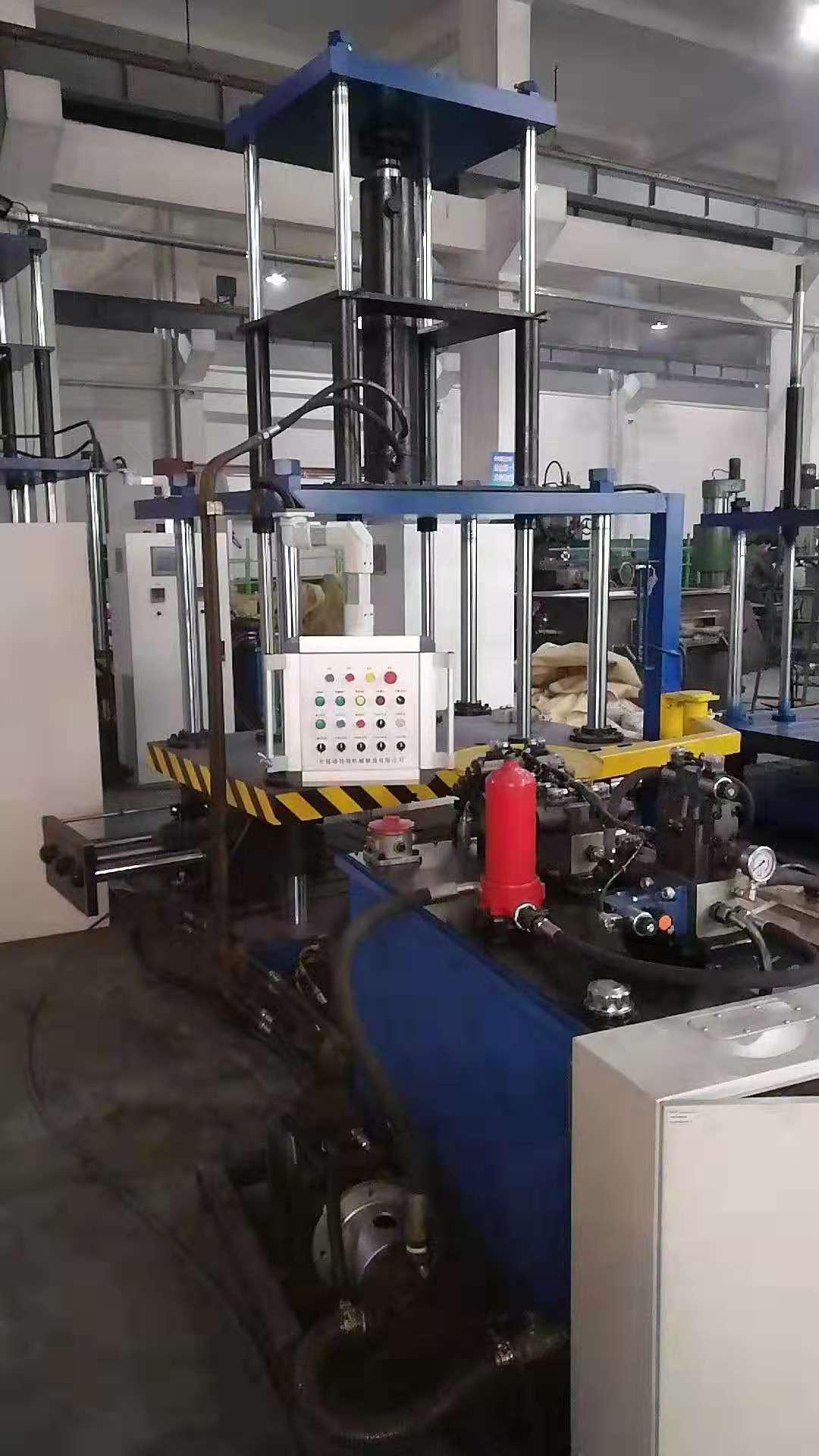 低压铸造机