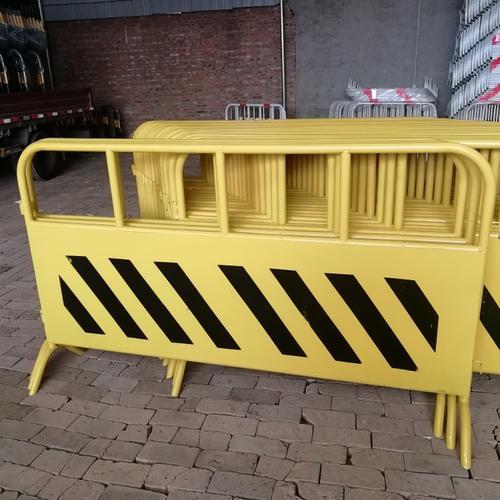 如何挑选优异的工地施工护栏?