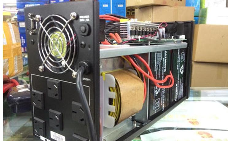 如何进行UPS电源的稳态和动态测试