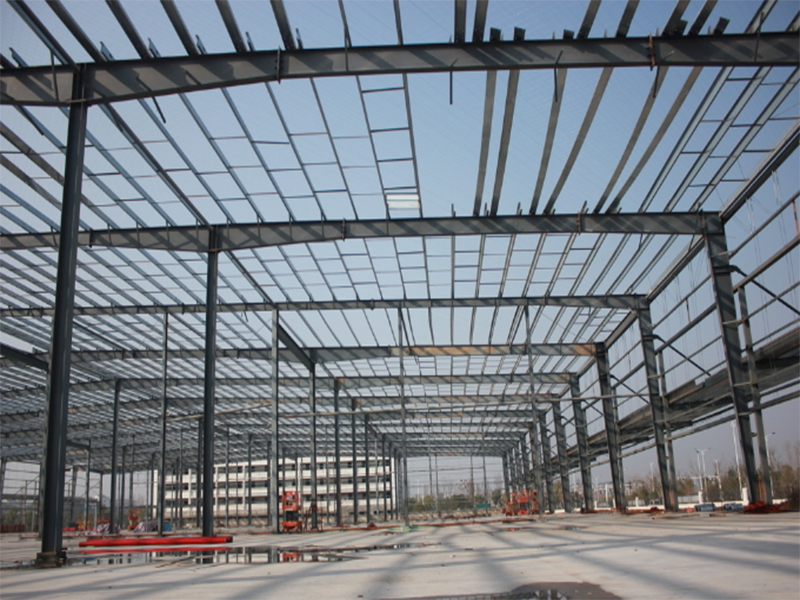 四川易通钢结构安装工分享钢结构损害的因素有哪些?