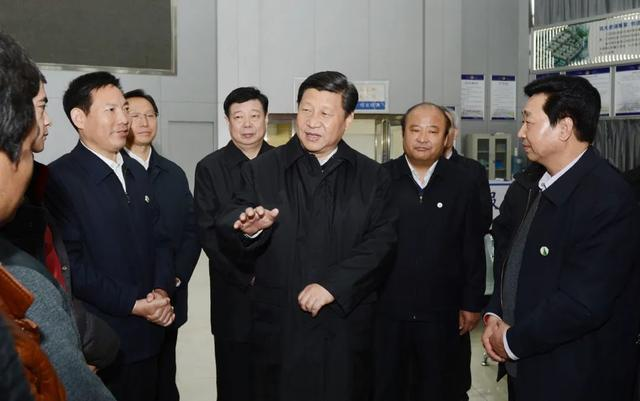 """一带一路""""东方商都和国际陆港建设催生历史机遇 """"双引擎""""引爆商城新发展"""