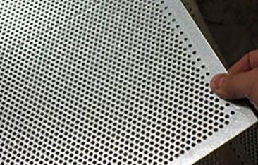 高密度冲孔网容易连孔的原因