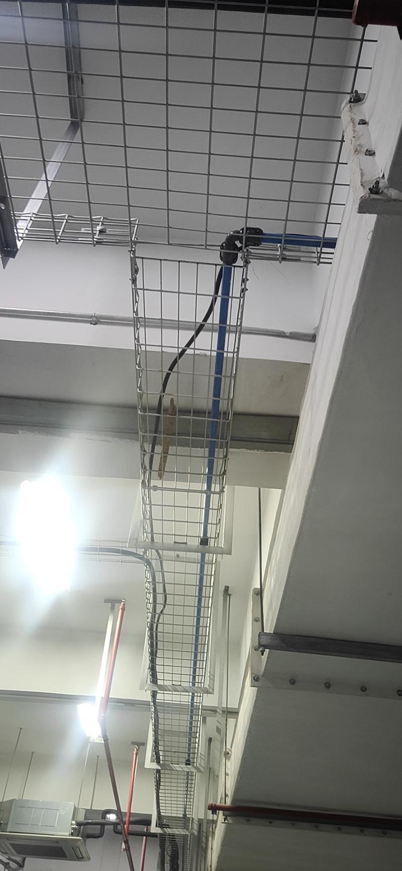 网格桥架现场施工
