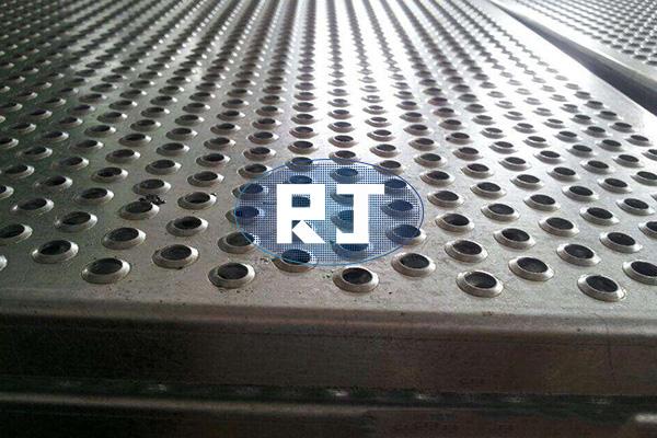 冲孔板生产如何降低机械噪音