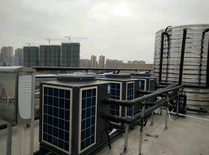 泰州西站7天空气能热水器+太阳能工程案例