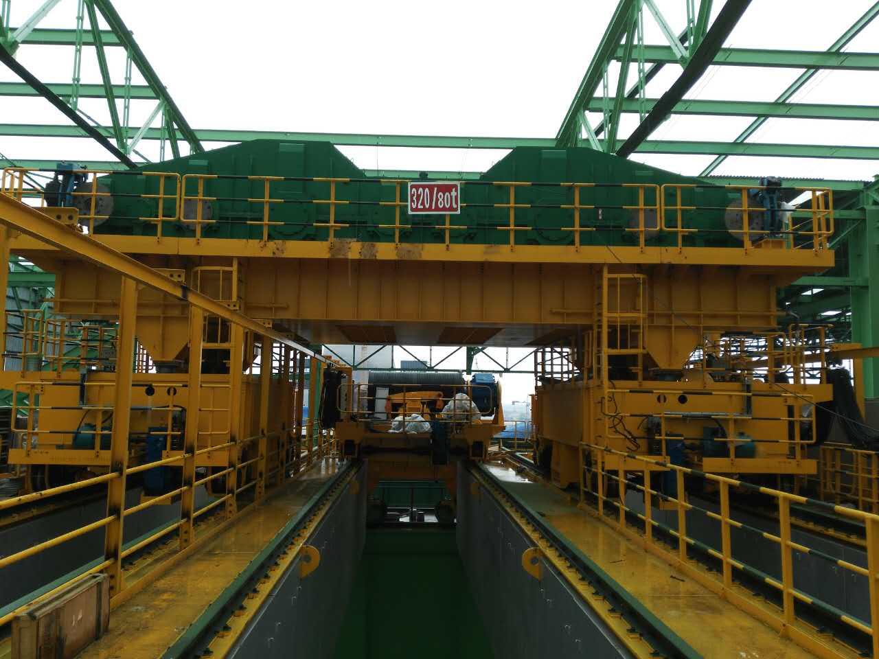 河北安丰钢铁320t铸造起重机