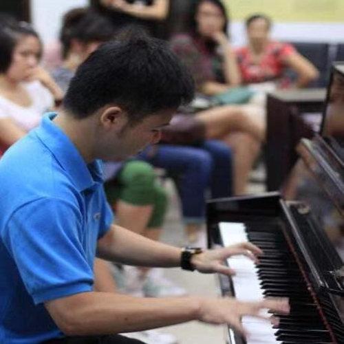少儿钢琴培训一定要选择级别高的导师